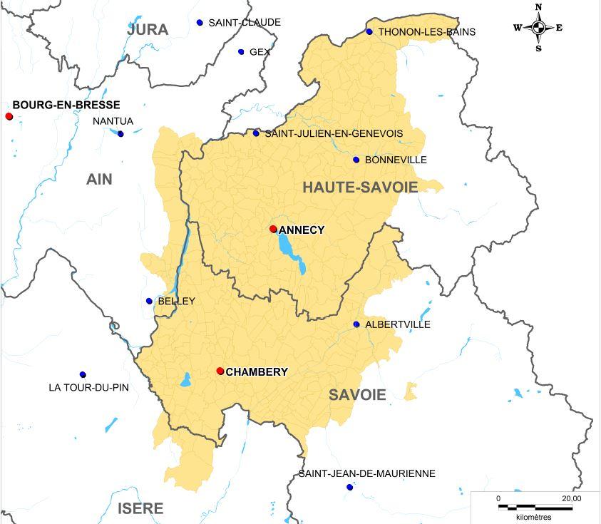 De la production du lait à l'affinage, l'Emmental de Savoie est produit sur un territoire délimité autour des deux Savoie